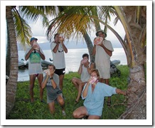 Early cruiser attempt to keep in touch - conch horn symphony in the San Blas Islands (Mary, Camryka)