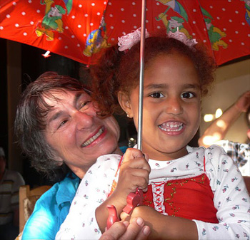 Yvonne of AUSTRALIA 31 with a Cuban child