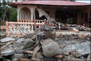 Tsunami damage on the south coast of Upolu Island, Samoa – (Photo: Jill Josselyn)