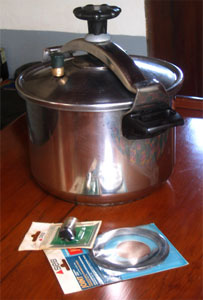 Stainless steel pressure cooker, with spare valve & seal