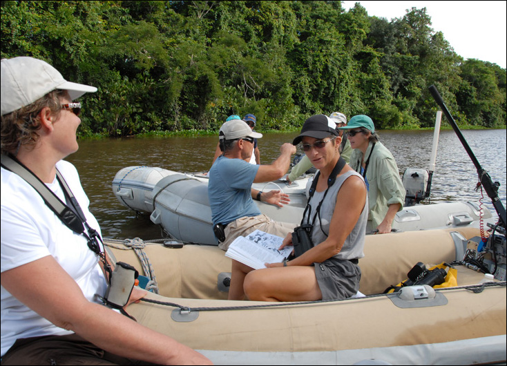 Devi Sharp shares her knowledge during a cruiser raft-up in Venezuela. (Photo by Charles Shipley)