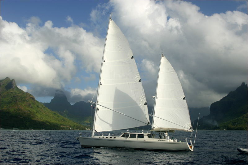 Convergence under sail in front of Moorea - Photo by John Neal