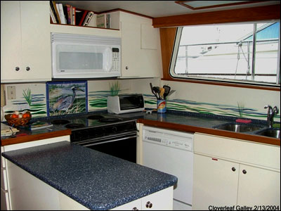 Cloverleaf's galley
